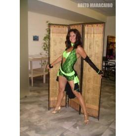 Abito da ballo latino per donna, realizzato in lycra verde fluorescente e pizzo nero.