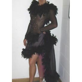 Abito da ballo latino per donna, realizzato in tulle elastico nero e scintilla nera e rosa.